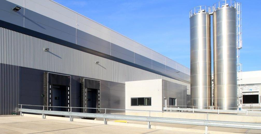 Bakeaway Corby industrial unit with dock doors